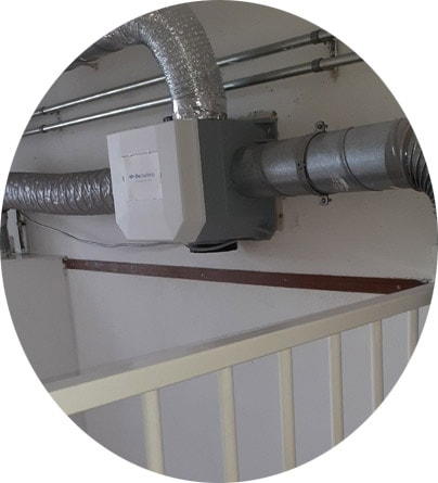 ventilatiebox boven trapgat